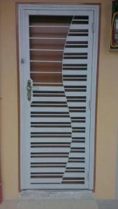 spacedor designed aluminium main door gate
