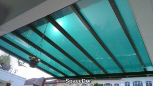Polycarbonate roof shelter