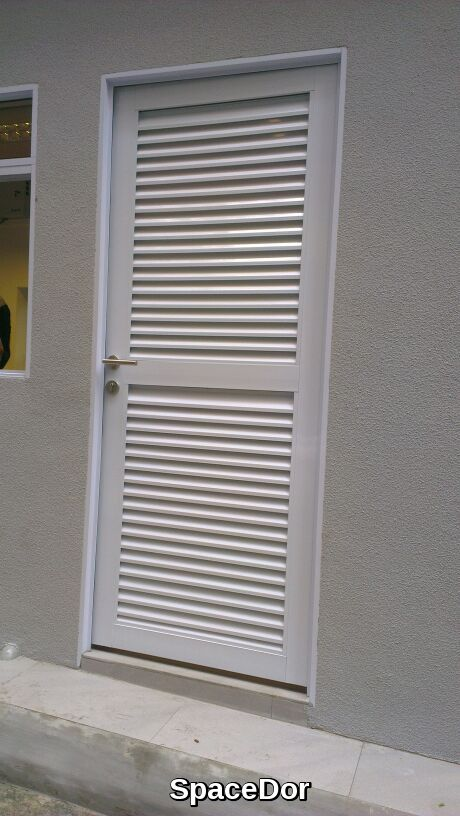Toilet Aluminium Louvers Door & Aluminium Toilet Louvers Door | SpaceDor Marketing Pte Ltd