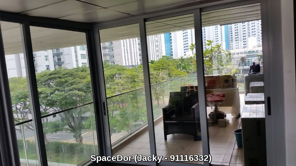Additional Room For Balcony With Sliding Door