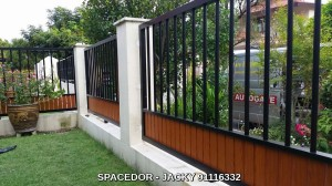 Powder Coated Aluminium Fencing with Grain Design