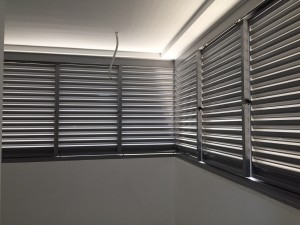 Top hanging aluminium louvers screen