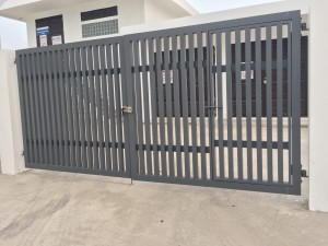 main aluminium gate