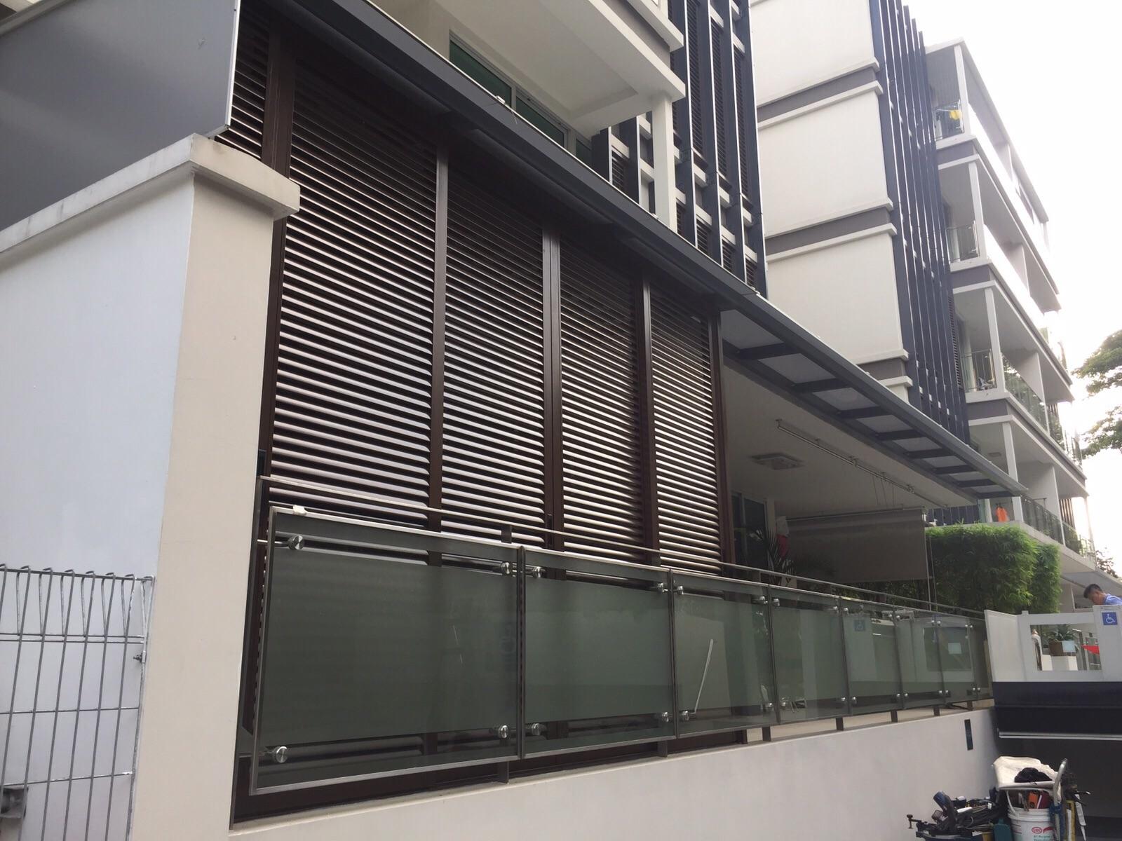 Surface Applied Aluminum Composite Panel : Polycarbonate shelter spacedor marketing pte ltd