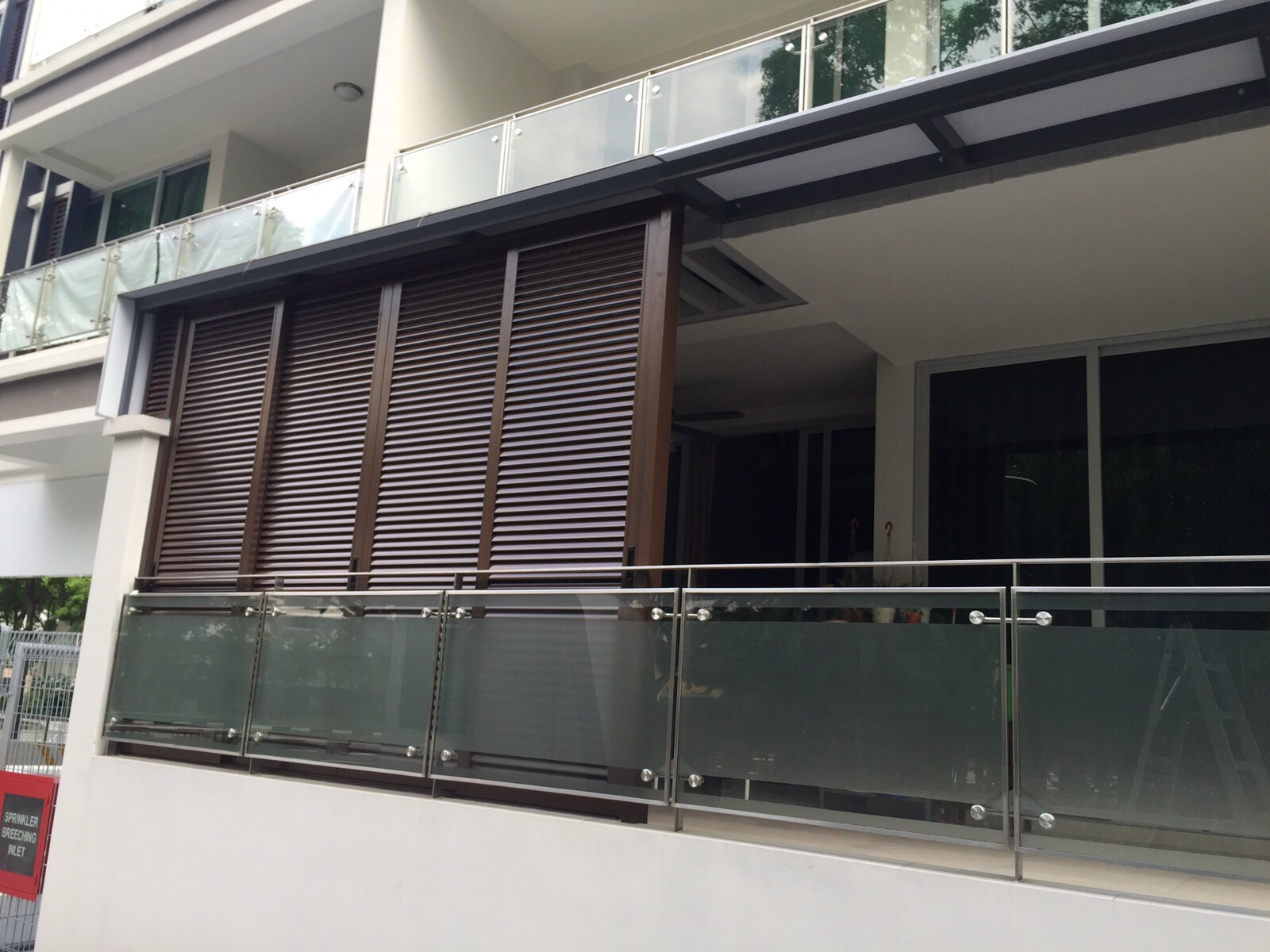Aluminum Composite Roofing And Aluminium Sliding Louvres Door