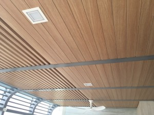 Wood grain aluminium trellis