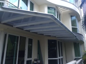 Aluminium structure with polycarbonate roofing