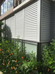 Aluminium top hanging sliding louvres door