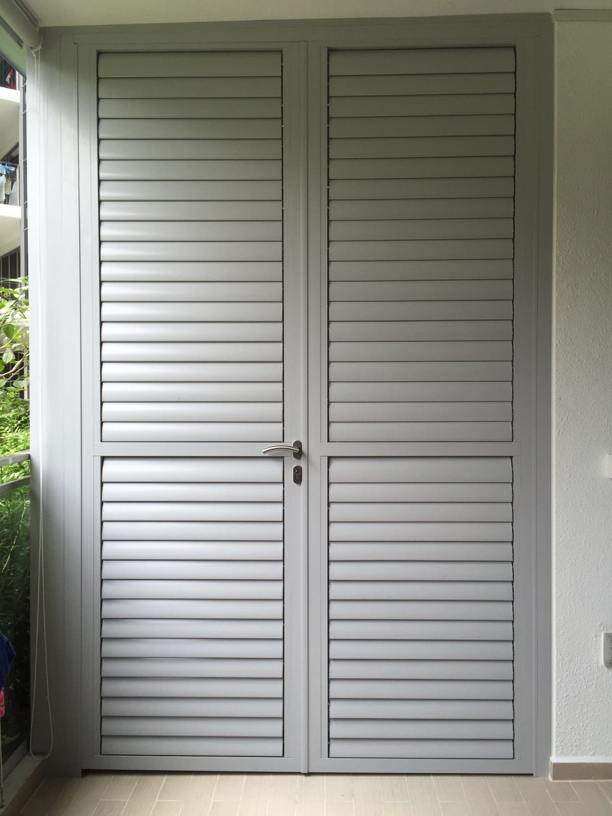 Aluminium louver door commercial aluminium louvers for Location of doors and windows
