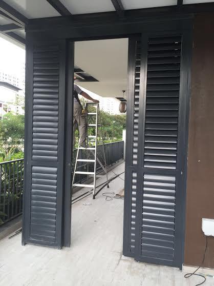 Powder Coated Windows : Aluminium louver window spacedor marketing pte ltd