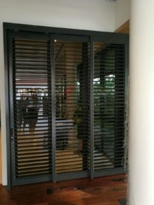 Top Track System Sliding Flippable Aluminium Louver Door