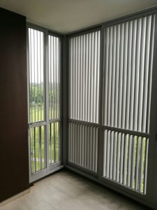 Adjustable Vertical & Flippable Aluminium Louver Window