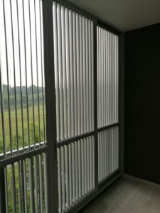 Vertical Flippable Aluminium Louver Window
